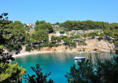 sailing_tours_sporades_greece_votsi